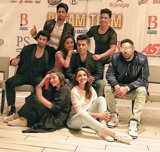 bollywood-dream-team-at-the-rocking-performance-at-bay-area