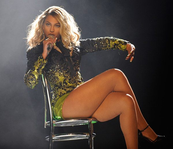 beyonce-thigh-images5