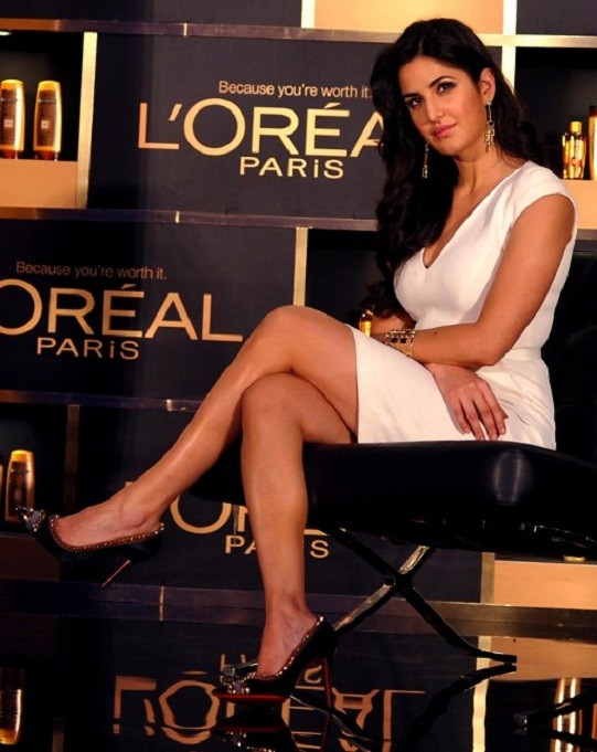katrina_kaif_sexy-thigh_wallpapers