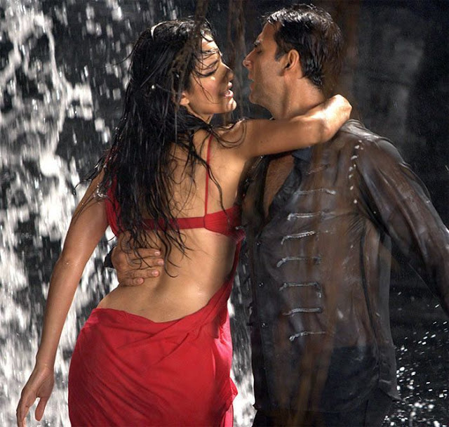 katrina-kaif-hot-dance-akshay
