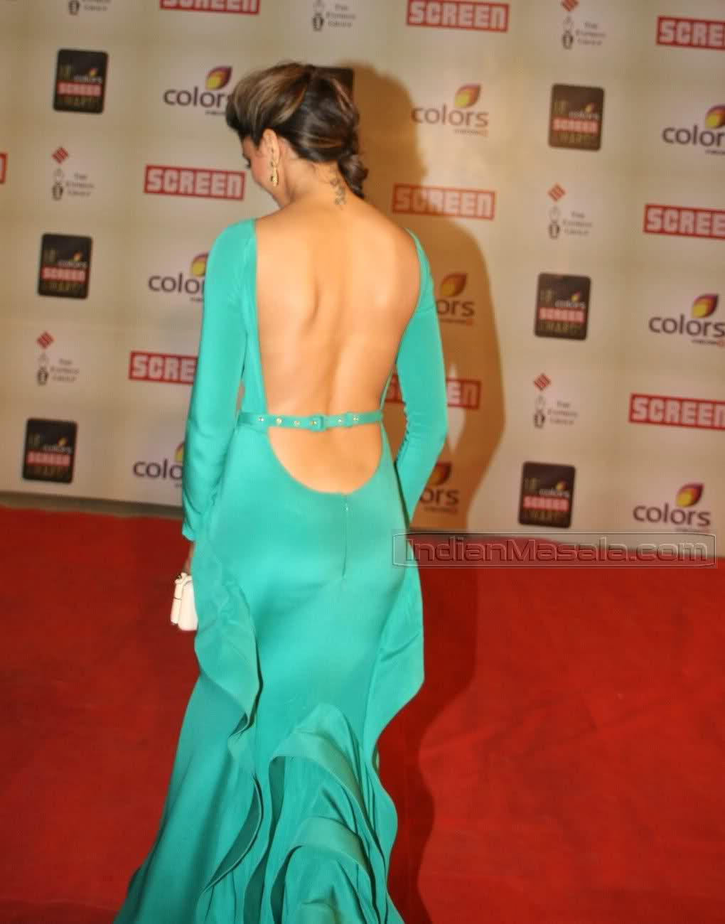 deepika-padukone-hot-back-images1