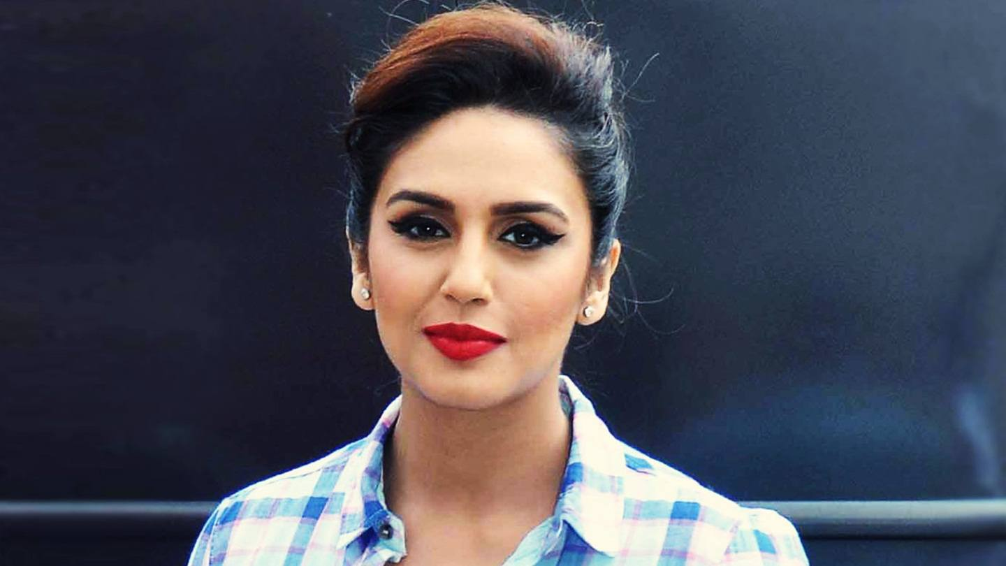 Huma Qureshi Beautiful Wallpapers