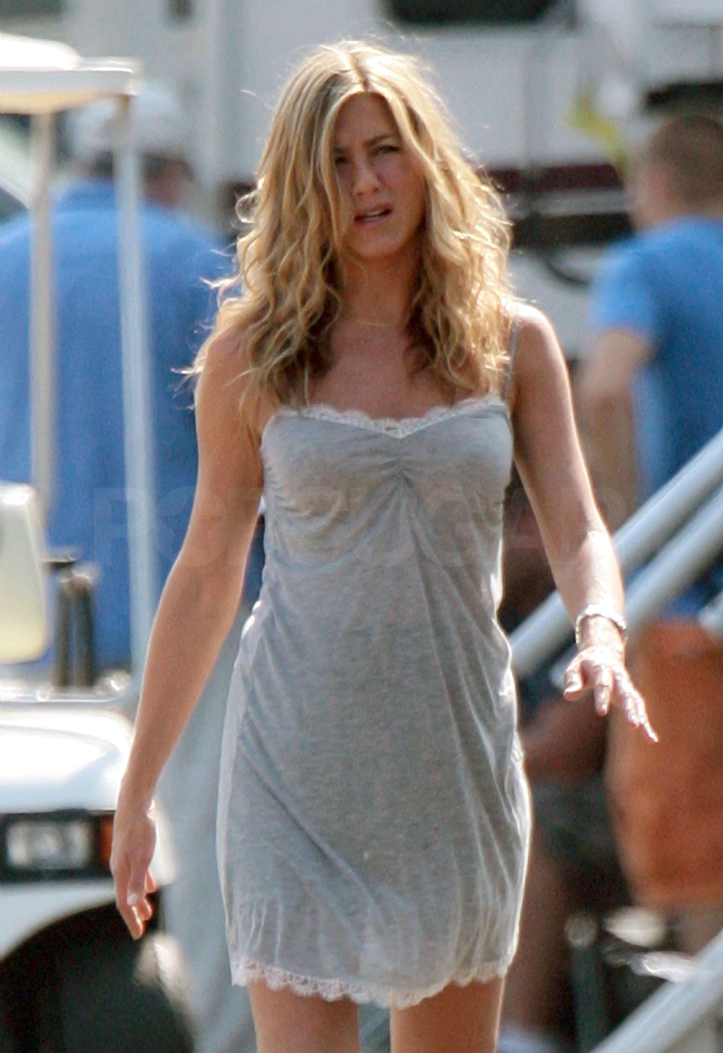 August 18, 2009: Jennifer Aniston on the set of the film 'The Bounty' currently filming at Monmouth Park Racetrack in Oceanport, New Jersey. Credit: INFphoto.com Ref.: infusny-77/93|sp|EXCLUSIVE TO INF. ALL-ROUNDER.