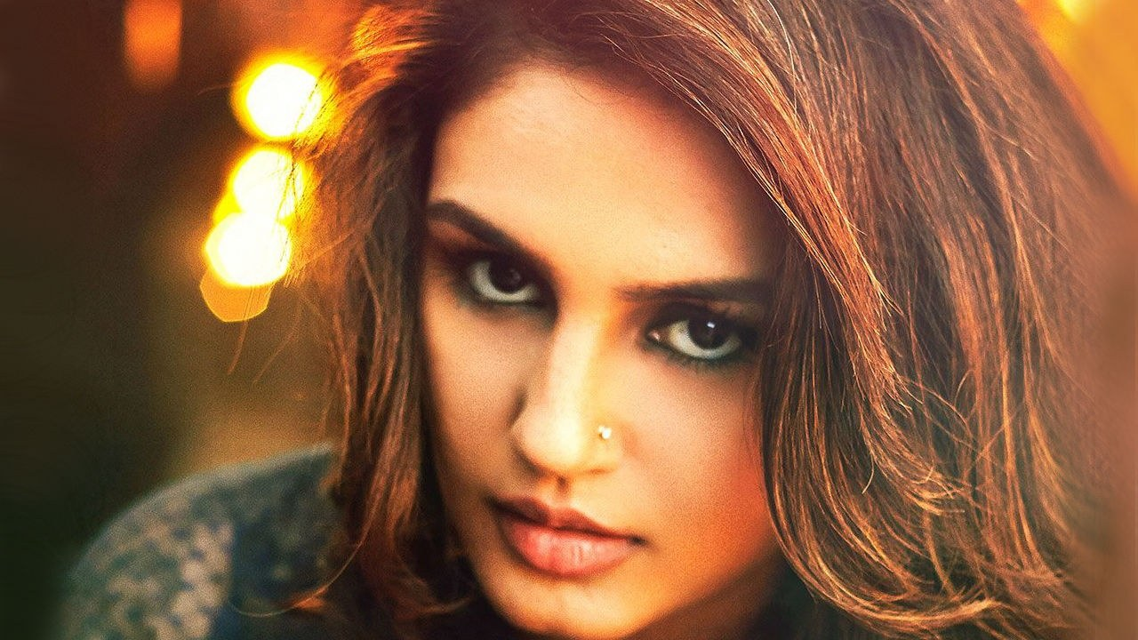 huma-qureshi-movie-dedh-ishqiya-hd-wallpaper