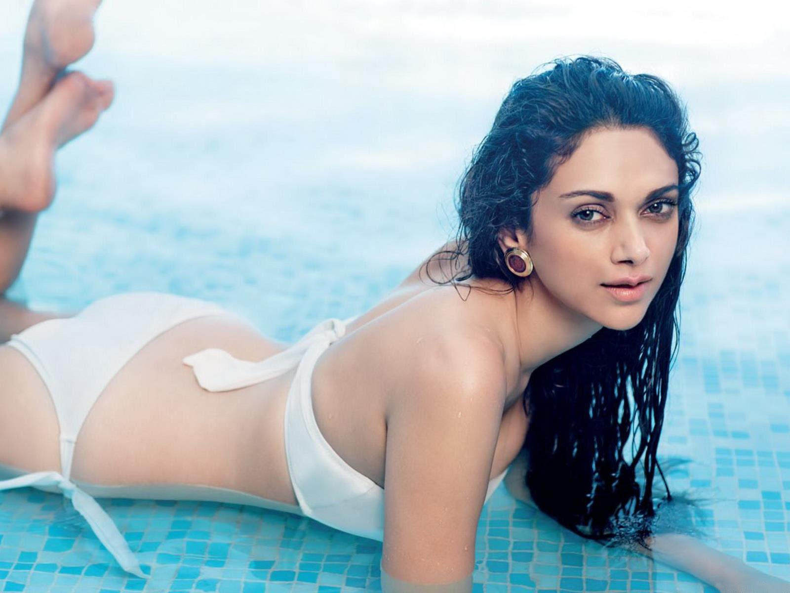 Hot Bollywood Actress Pics