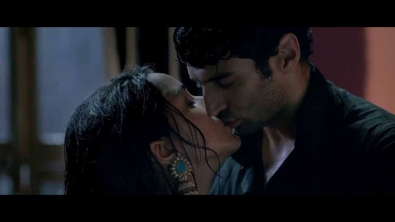 shraddh-kapoor-kiss-images6