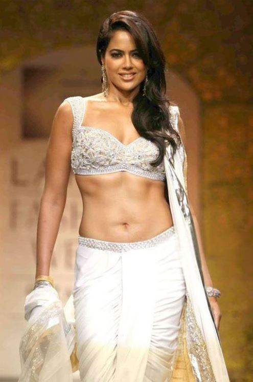 sameera-reddy-hot-pics11