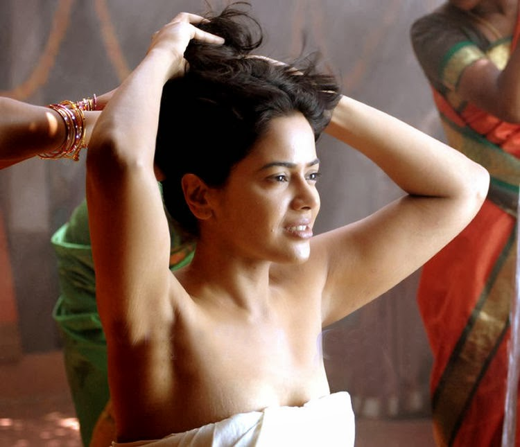 sameera-reddy-hot-pics24
