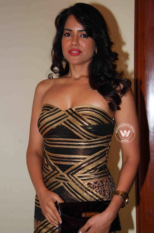 sameera-reddy-hot-pics6